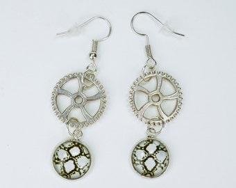 Earrings gears with a snake skin pattern on Silver earrings earrings jewelry hanging earrings steampunk gear retro snake