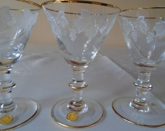 french port/sherry glasses  x 6 made in France grape design