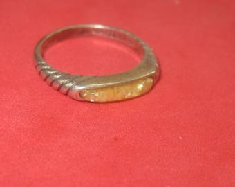 F-97  Vintage Ring  sterling silver size 5