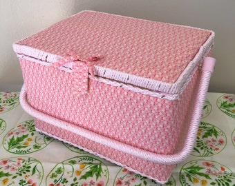 sale--vintage pink daisies fabric sewing basket