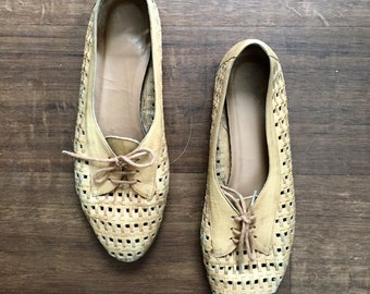 Vintage woven tan leather oxford flats size 9/9.5