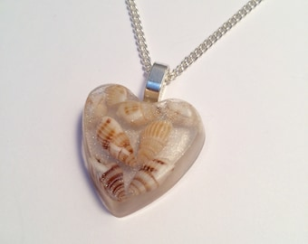 Resin Seashell Necklace - Resin Seashell Pendant - Beach Necklace - Shell Necklace - Beach Lovers - Resin Necklace - Silver Necklace