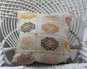 pillows cushions white color emroidered kilim pillows Turkish kilim pillow 16x16 pillow covers kilim cushions 16x16 embroidered pillow 2163