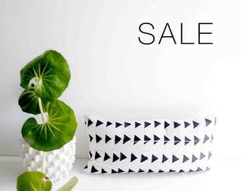 "Sale! White & Black Triangle Mudcloth Pillow Cover | 12"" x 24"""