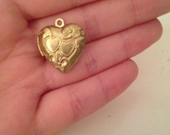 Antique Locket - Photo Locket - Locket - Gold Locket - Heart Locket - Brass Locket - Antique Locket  - Small Locket - Photo Locket - Gift