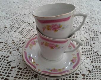 2 Tea Cups, Alpine Cuisine