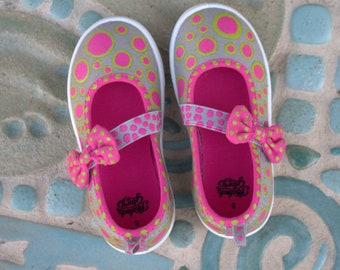 Girls Pink Polka Dot Canvas Mary Jane Sneakers/Girly Girl Pink Sneakers/Ready to Ship Girls Hand Painted Sneakers/Retro Polka Dot Sneakers