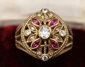 Magnificent imposing ring in 925 sterling silver vermeil (gold plated on solid silver) set with glittering swarovski