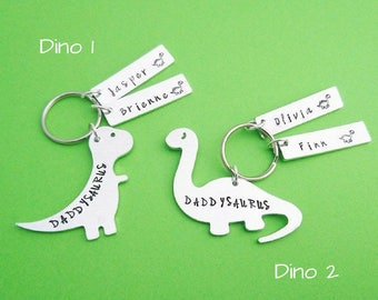 Daddysaurus, daddysaurus keychain, daddysaurus keyring, dinosaur dad, daddy gift, dad gift, fathers day keychain, handstamped keychain, dino