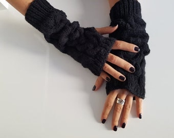 SALE! Black knit wool arm warmers, Hand knit winter short black fingerless gloves mittens, handmade warm gloves, knit wrist hand warmers
