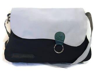 Messenger bag,large messenger cross body bag,shoulder bag,school bag,laptop bag,traveling bag,large cross body bag, large shoulder bag
