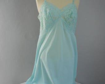 womans  gorgeous  feminine vintage robin egg blue nylon full slip 1950