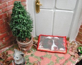 Dollhouse miniatures, miniature Border Collie, doormat doormat in 1zu12 for the Doll House, Doll House, collector