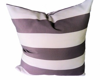 OUTDOOR/Indoor Pillow Cover, Unique Gray and White.