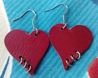 Punk heart earrings leather San Valentine's day hand made orecchini pelle cuore amore San valentino pendientes cuero corazon