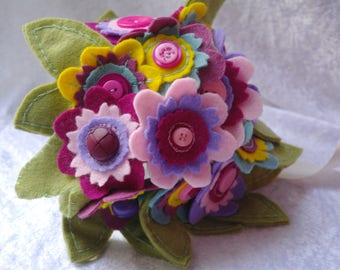 Felt flower bouquet with button details