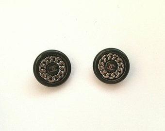Lot of 2x Authentic Chanel vintage buttons CC logo with chain around