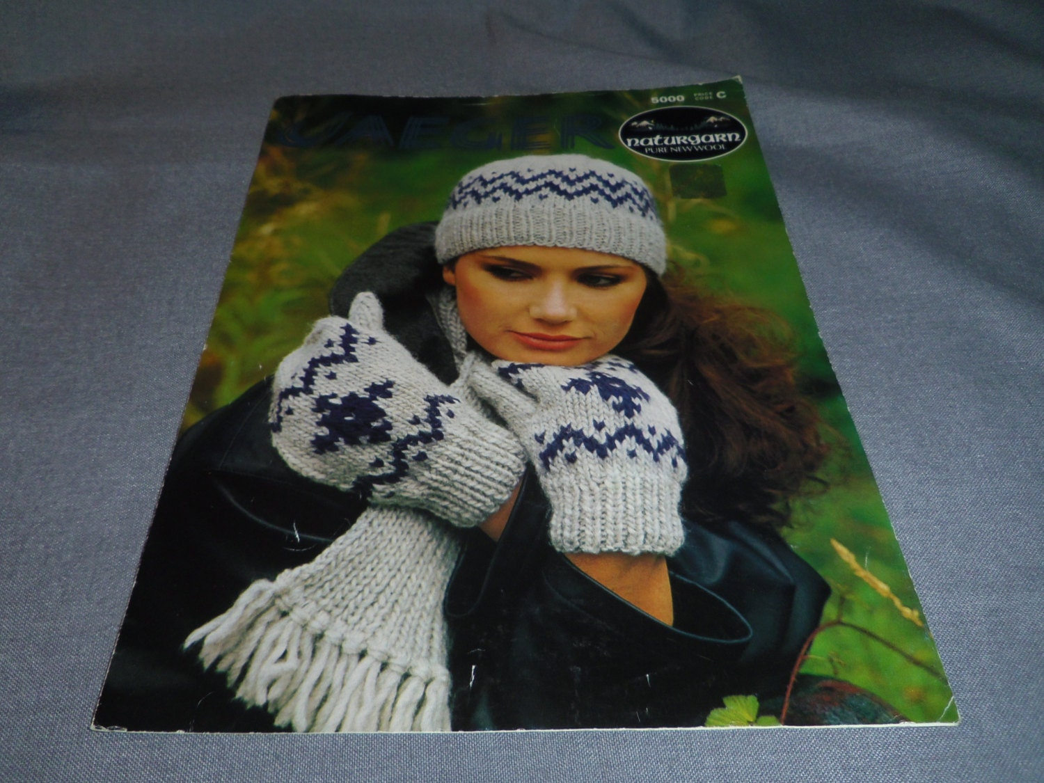 Knitting patterns hat mitts and scarf using jaeger naturgarn description original vintage jaeger pattern bankloansurffo Images