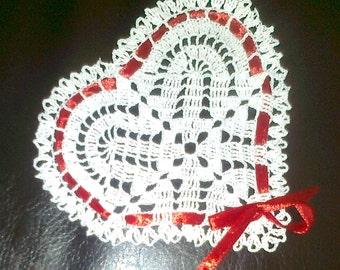 Crochet applique, Lacy Heart Applique , Valentine Heart Appliques, Valentine gift, Crochet doily, small doily, valentine decor
