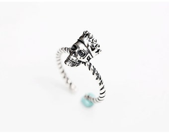 sterling silver skull ring,mini skull ring,tiny skull ring,skull jewelry, sugar skull ring,Day of the dead jewelry,twisted silver ring