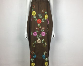 Vtg 70s embroidered mexican maxi dress floral
