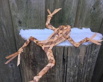 Frog / Cedar frog / woven frog