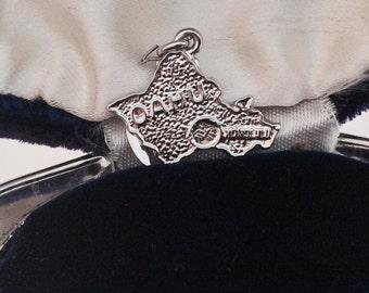 Oahu Hawaii vintage sterling silver charm #437