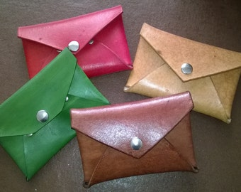 Small handy wallet / pursewith single compartment