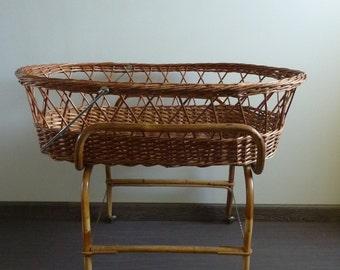 Crib bumper wicker and bamboo shape Moses, 1960s vintage