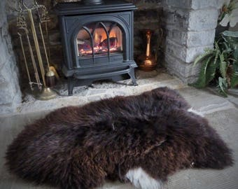 Sheepland Extra Large British Organic Undyed Pure Sheepskin Rug in Brown with White (54)