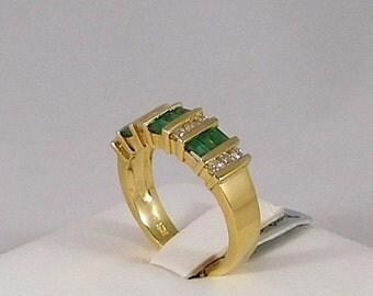 Emerald & Diamond Ring (Band) 14k Yellow Gold (Emerald 0.80ct) (Diamond 0.30ct)