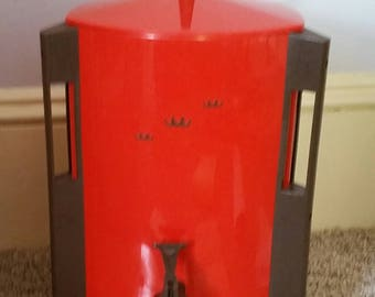 Vintage regal coffee urn in Red