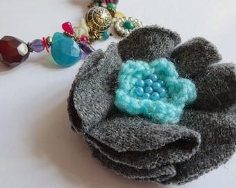 Elegant grey flower brooch, Upcycled wool flower brooch, green flower brooch , Grey brooch, grey flower pin, crochet flower brooch .