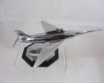 Table Lighter as a Jet Fighter