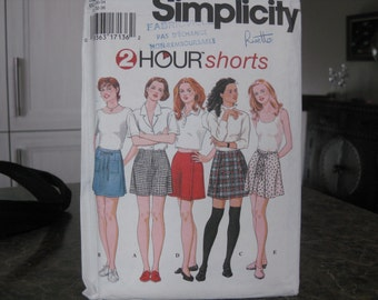 Boss Simplicity 9686 shorts with or without Panel