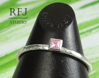 Square Lab Pink Diamond Hammered Silver Ring, 2x2 mm Princess Cut Promise Pink CZ Ring Square Setting Pink Stack Ring Tiny Engagement Ring