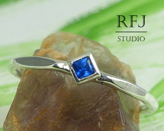 Kite Synthetic Sapphire Faceted Silver Ring, Minimalistic Rhombus September Ring Princess Cut 2x2 mm Square Blue Corund Promise Stacked Ring