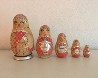 Matryoshka Babushka 5 Nesting dolls Russian Matroesjkas Baboesjkas hand-painted dolls