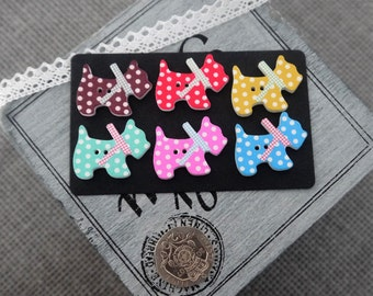 10 x Colourful cute Spotty Scotty Dog Wooden Button with 2 holes and Bow Detail