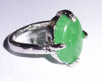 Emerald coloured Peking Glass Silver Plated Ring