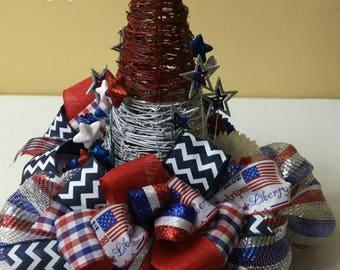 Patriotic Centerpiece, 4th of July Centerpiece, Patriotic Deco Mesh Centerpiece, Patriotic Table, 135