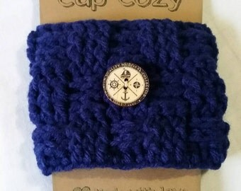 Hand crocheted coffee cup cozy.. Navy blue