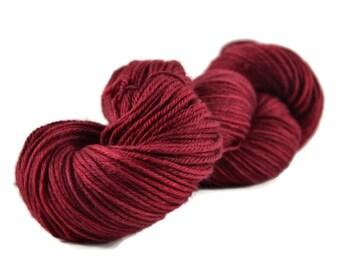 Merino Worsted Yarn, Superwash Merino yarn, worsted weight yarn, worsted merino yarn, 100% Superwash Merino, red, dark red - Burgundy