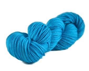 Worsted Yarn, Superwash Merino yarn, hand dyed, worsted weight yarn, wool yarn, 100% Superwash Merino, aqua, worsted merino - Aquarium