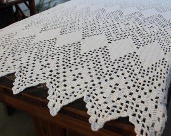 Vintage White/Cream Chevron Boho Blanket
