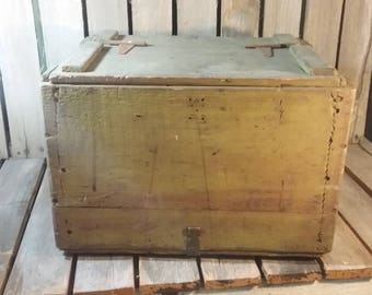 Antique Wooden Shipping Crate/Vintage Wood Shipping Crate/Antique Shipping Box/Antique Crate With Lid/Old Wooden Box/Farmhouse Antiques/Box
