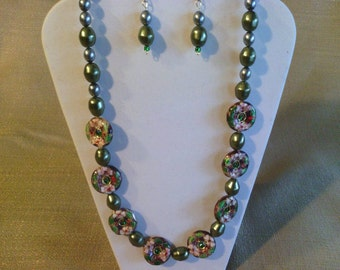 138 Vintage Style Green Cloisonne and Glass Pearls Beaded Necklace