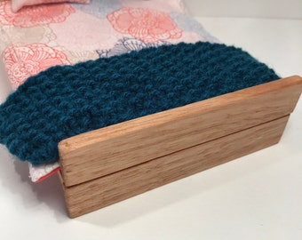 12 Scale Knitted Throw - Blue Single and Double