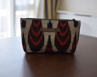 Ikat clutch bag, handmade clutch bag, handmade ikat make up bag, evening bag, boho style clutch bag, stylish evening clutch bag