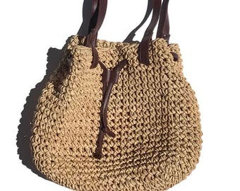 Vintage Straw bucket bag with faux leather straps / summer bag / woven bag /